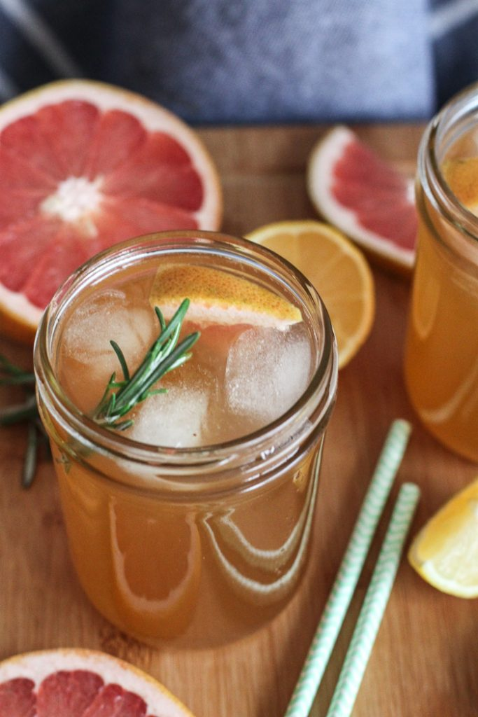 Kombucha with grapefruit, rosemary and lemon