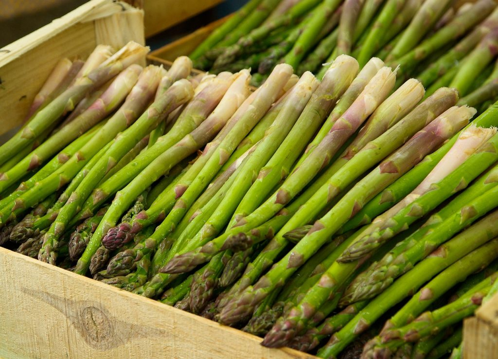Asparagus is rich in prebiotics!
