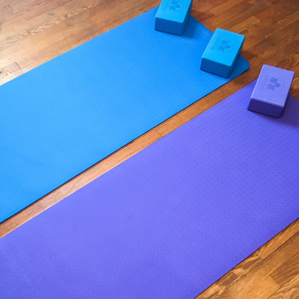 7 piece yoga kit from Clever Yoga